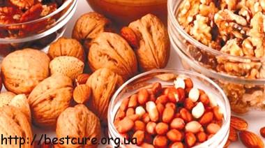 Орехи необходимо включать в рацион здорового питания, как продукты высокой биологической ценности