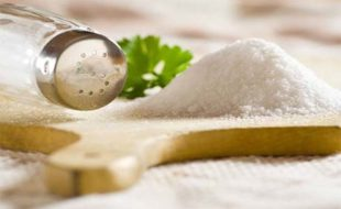 Как вывести соли из организма народными средствами